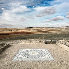 Paisaje manchego con mosaico romano. / La Mancha landscape with  by Francisco Garcia Rios - Landscapes Travel ( segóbriga, españa, wbpa, arqueología, cuenca, recesvintus, castilla la mancha, archeology, saélices, spain )