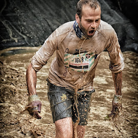 Giving Everything ! by Marco Bertamé - Sports & Fitness Other Sports ( water, splatter, splash, differdange, 2015, waterdrops, soup, running, shouting, luxembourg, muddy, strong, 1668, drops, brown, strongmanrun, man )
