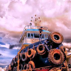 traditional shipyard by Daenk Andi - Transportation Boats ( pekerja, arsiktektur, langit, warna, perjalanan, lelaki, potret, boat, awan, landscape,  )