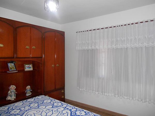 Casa / Sobrado à Venda - Centro