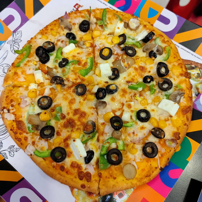 Vinuu at Chicago Pizza, Sector 32, Noida photos
