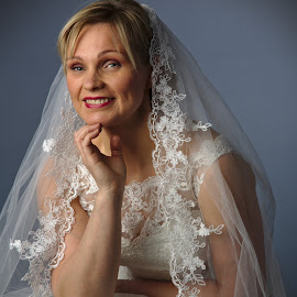 Meri by Simo Järvinen - People Fashion ( studio, person, model, fashion, indoor, female, woman, wedding dress, lady, people, portrait, caucasian )