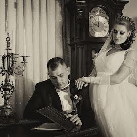 Edina and Ciprian by Stefan Si Iulia - Wedding Bride & Groom ( sepia, black and white, vintage, wedding, bw, hotel, bride, groom )