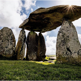Pentre Ifan by David Bevan - Buildings & Architecture Public & Historical