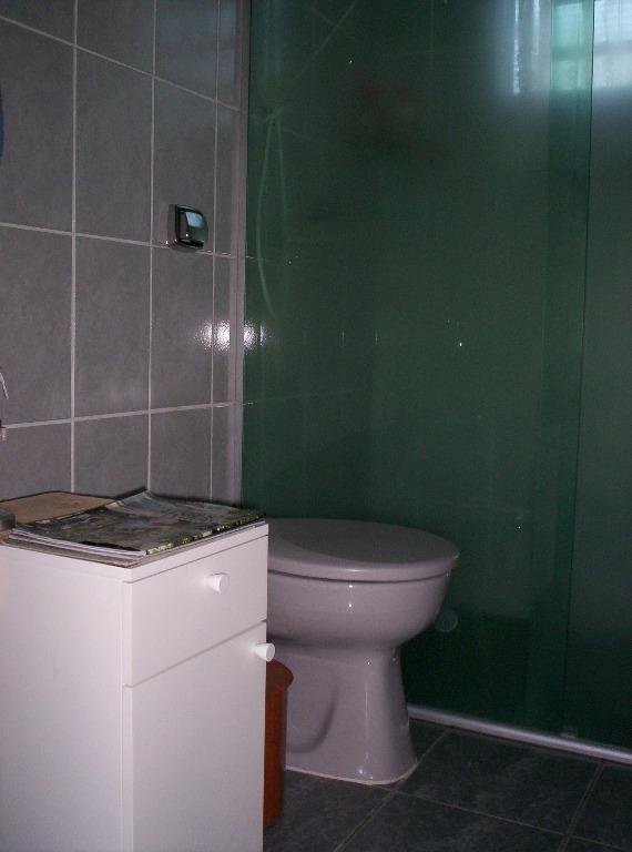 Casa de 2 dormitórios em Dois Córregos, Valinhos - SP