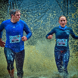 Angie & Fuchs by Marco Bertamé - Sports & Fitness Other Sports ( angie, water, fuchs, splash, splatter, wman, number, waterdrops, running, 1206, mud, 480, dirty, drops, lady, strongmanrun, man,  )