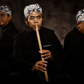 suling by Zulkifli Sukarta - People Musicians & Entertainers ( sunda indonesia )