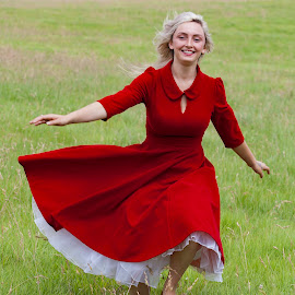 Robyn by Brian Pierce - People Portraits of Women ( robyn, gunwallowe, photoshoot, model. barn, beach )