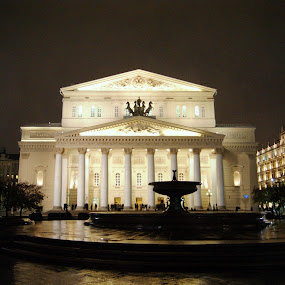 Bolshoi theatre, Moscow by Vero Vero - Buildings & Architecture Public & Historical ( bolshoi, russia, theatre, moscow, ballet, drama )