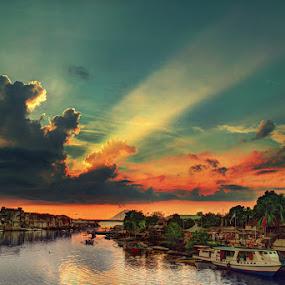 berbagi kasih, berbagi sunset by Christian Setiawan - Landscapes Weather