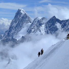 Arrive to Aiguille du midi by Ana Paula Filipe - Landscapes Mountains & Hills ( midi, mountain, chamonix, aiguille, france )