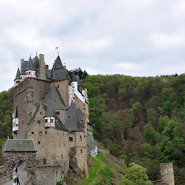 Burg Eltz castle by S.  Robert - Buildings & Architecture Public & Historical ( castle, germany, burg eltz )