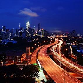 Kuala Lumpur by Nunsyinrayakaf Ainzalmimya - Landscapes Travel