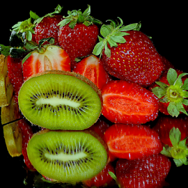 kiwi with strawberry by LADOCKi Elvira - Food & Drink Fruits & Vegetables ( kiwi )
