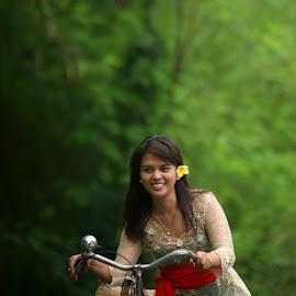 Balines Girl by Bli Gede Bagoes ( I Gd P Wiryawan Tohjiwa ) - People Street & Candids
