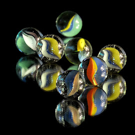 by Shawn Thomas - Artistic Objects Glass