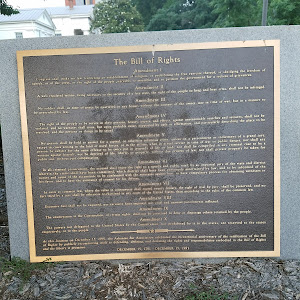 Placed on December 15, 1991 by the Arkansas Bar Association to commemorate the Bicentennial of the ratification of the Bill of Rights.