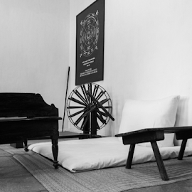 Charkha by Anuj Dani - Artistic Objects Antiques ( old, black and white, antique, heritage, antiques,  )