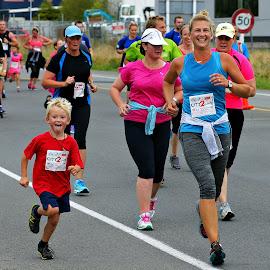 Christchurch City to Surf  by Tim Bennett - Sports & Fitness Running ( christchurch, city to surf, fun run, new zealand )