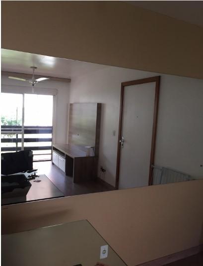 Apartamento de 2 dormitórios em Medianeira, Porto Alegre - RS