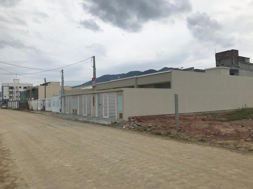 Casa 2 dormitórios, Locação anual no Morretes