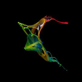 Ghost by Ganjar Rahayu - Abstract Water Drops & Splashes ( abstract, liquid sculpture, highspeed, macro, liquid, waterdrop, color, liquid art, rainbow, black )