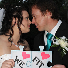 we fit by Rina Meintjes - Wedding Bride & Groom (  )