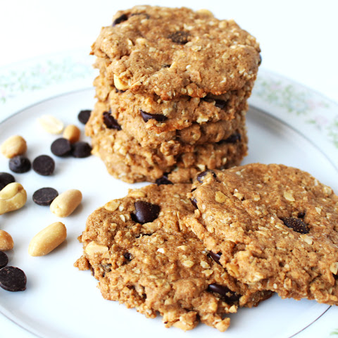 Loaded Peanut Butter and Dark Chocolate Oatmeal Cookies