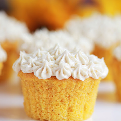 Pumpkin Spiced Cupcakes with Graham Cream Cheese Icing