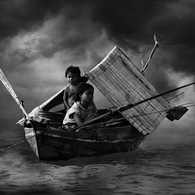 Sampan Kajang ** My Home BW by Oji Blackwhite - News & Events World Events ( black and white )