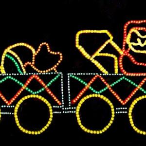 LJ FULLERTON 22 CHRISTMAS LIGHTS 122415.jpg