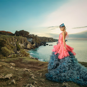 The hill of Love by Jeremy Farizky - People Fashion ( hills, mountain, sea, beach )