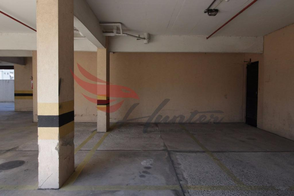 Sala comercial na José de Alencar, bairro Menino Deus em Porto Alegre  Sala com ambiente de entrada e 2 cômodos, com vista e vaga de garagem ESCRITURADA. (Clique para ver)