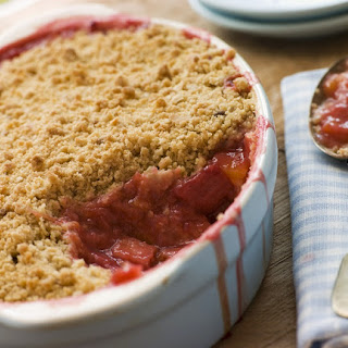 Butter-Less Strawberry Rhubarb Crumble