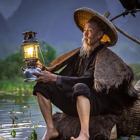 Cormorant Fisherman by David Long - People Professional People ( li river, cormorant fisherman, guilin )