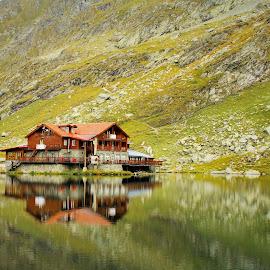 Balea Chalet by Bogdan Ciobanu - Landscapes Mountains & Hills ( water, transfagarasan, lake, romania, balea, chalet )