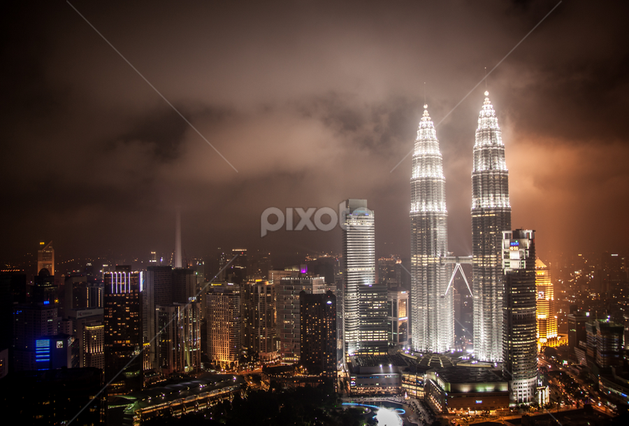 KLCC night view by Zakaria Sahli - Buildings & Architecture Other Exteriors ( canon, klcc, lowlight, night view, nightscene, malaysia, zecksasuke, chipta.art, night, lights )