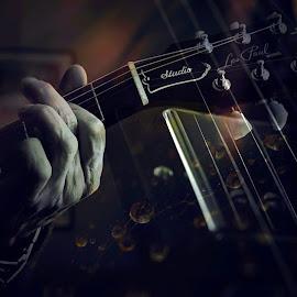 Struny by Hana Šmídová - Digital Art Things ( ruka, hudba, kytara, struny )