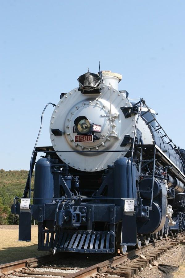 4500 nose by Steve Tharp - Transportation Trains