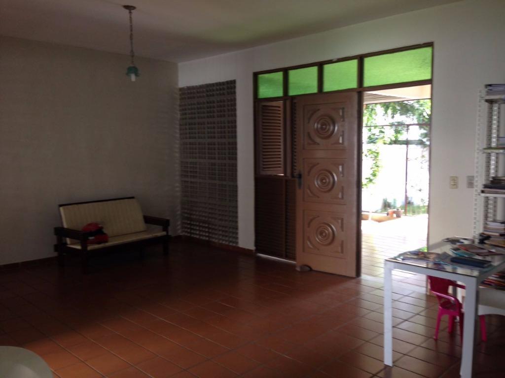 Casa com 3 dormitórios para alugar, 230 m² por R$ 3.000/mês - Manaíra - João Pessoa/PB