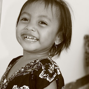 my daughter by Gionk Gafur - Babies & Children Child Portraits ( black and white, smile, hair, teeth, eyes )