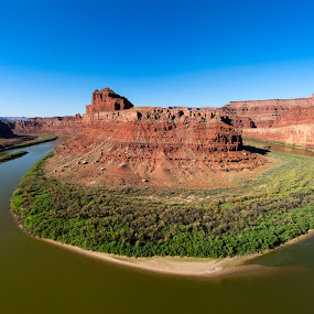 Horseshoe Bend Colorado River by Barry Nichols - Landscapes Deserts