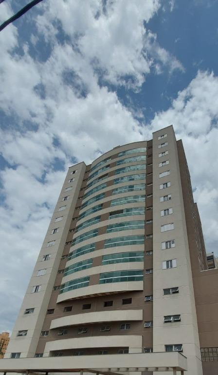 Apartamento com 4 dormitórios à venda, 213 m² por R$ 1.100.000,00 - Centro - Uberaba/MG
