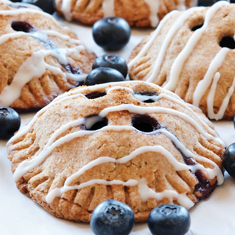 Vegan Blueberry Pie Pockets