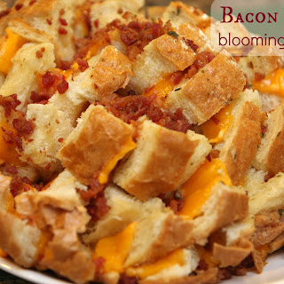 Bacon Ranch Blooming Bread