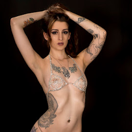 Showgirl by Kens Yeaglin - Nudes & Boudoir Boudoir ( studio, nude, samanthabubbles, tattoos, boudoir, showgirl )