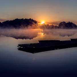 Sunrise at the lake by Sziszik Dániel - Landscapes Sunsets & Sunrises ( sunset, beautiful, lake )