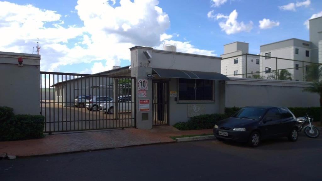 Apartamento com 2 dormitórios para alugar, 52 m² por R$ 750/mês - Universitário - Uberaba/MG