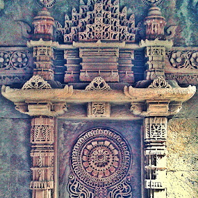 architecture at step well of adalaj by Jyubil Chaudhari - News & Events World Events ( mobile photos, art, commercial & journalism )