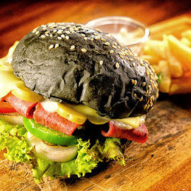 Simply a burger by Fuad Arief - Food & Drink Meats & Cheeses ( burger, indonesia, eatery, food photography, surabaya )